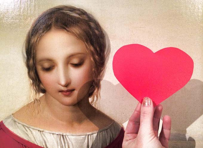 Visitors to Moscow museums will be able to tell about their love for paintings with paper hearts