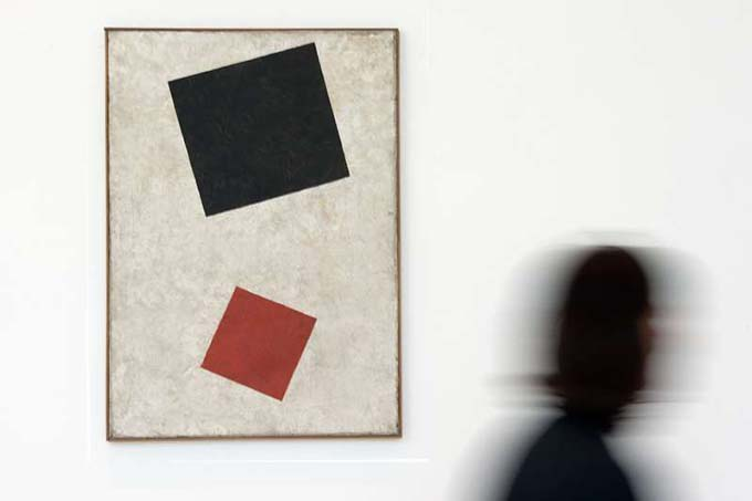 "The painting ""Black rectangle, red square"" from the Dusseldorf gallery turned out to be a fake"